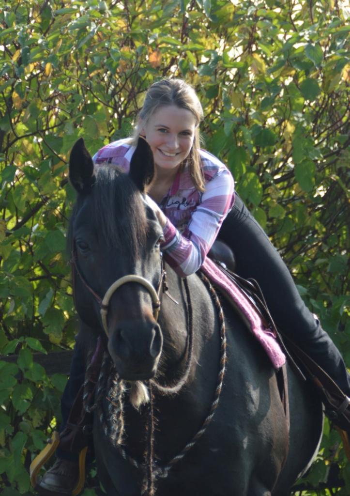 Neele Kühl Open-Minded Horsemanship | Westernreiten in Norddeutschland | Reitlehrerin